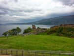 Urquhart Castle am Loch Ness. Sehr wichtig weil schon seit dem 6. Jahrhundert besiedelt. http://de.wikipedia.org/wiki/Urquhart_Castle