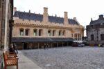 Eine andere Halle welche restauriert wurde, die Farbe nennen sie Königsgold, scheinbar war der grösste Teil des Palastes mal so verputzt.