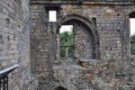 Das Fenster wurde scheinbar im Laufe der Geschichte mehrfach geändert.