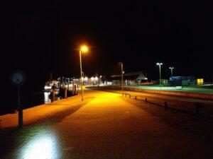 Fährhafen Langeoog bei Nacht
