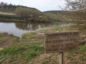 Versinkungsstelle: Hier versinkt die Donau an 155 Tage im Jahr vollständig... um dann in Hegau im Aachtopf wieder aus dem Boden zu strömen.