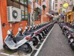 Dutzende Polizei Motorroller