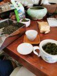 Tisch im Teeladen