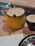 Cappuccino in einem Cafe