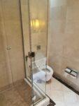 Toilette in der Emirates Lounge in Dubai