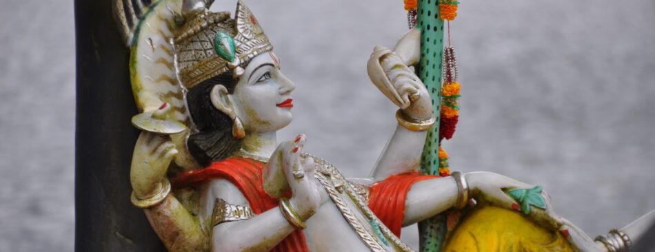Hinduistische Statuen in Ganga Talao
