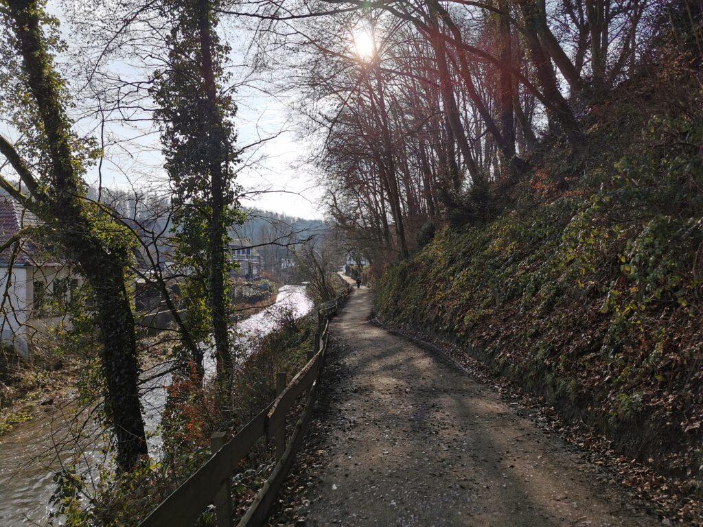 Wanderweg an der Dhünn