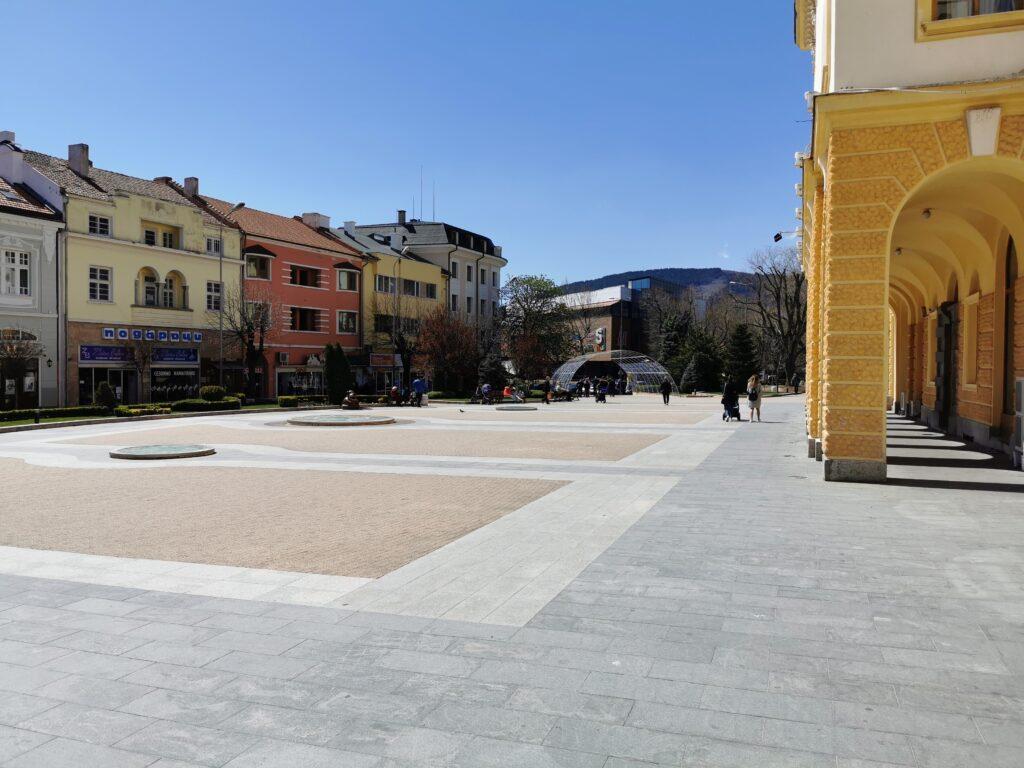 Ein Platz in Sliven (Bulgarien)